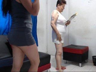 happyevils brunette cam babe loves getting her cunt banged online