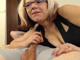 dude0210 BBW cam madam loves erotically feminize her partner