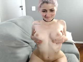 sweettrixie ohmibod live show with blonde slut in the chatroom