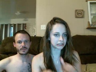ropesandcuffscouple cam babe sucks huge dildo and gets her pussy penetrated