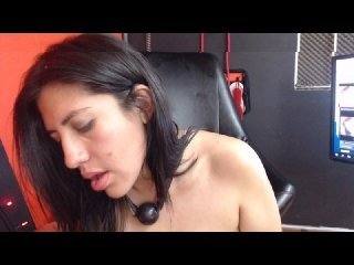 mistyandbilly latina cam girl offers her shaved pussy in exchange for a your attention online