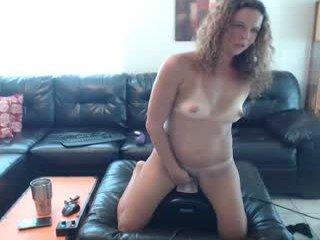 nellebeachgirl cam girl gets her ass hard fucked by her partner