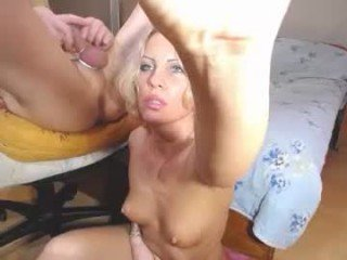 olesia_sean cam girl wants besides sucking, she also loves fucking